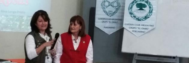 """Charla sobre """"Rosas"""" a cargo de la disertante Rosa Longo Prieto en Pergamino."""